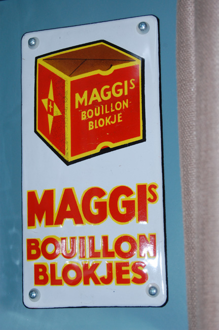 maggi's emaille deurpostbordje