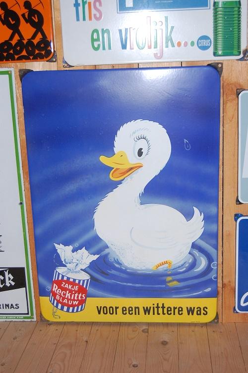emaille reclamebord reckitt's zakje blauw voor een wittere was